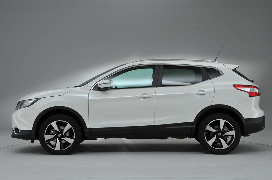 nissan-qashqai-side-profile-studio