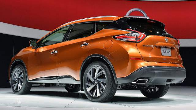 2016-Nissan-Murano-rear-end