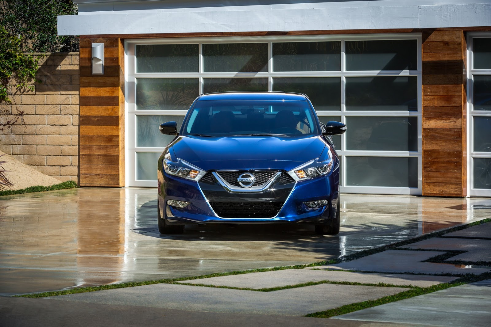 New-2016-Nissan-Maxima-front