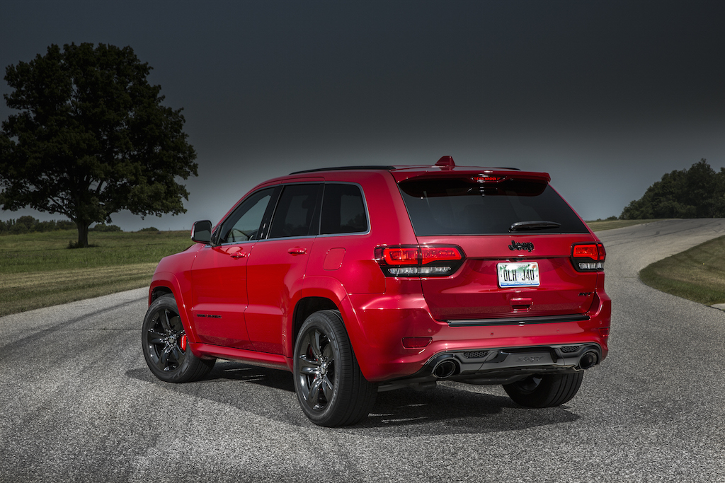 2015-jeep-grand-cherokee-srt-is-no-hellcat-photo-gallery_2