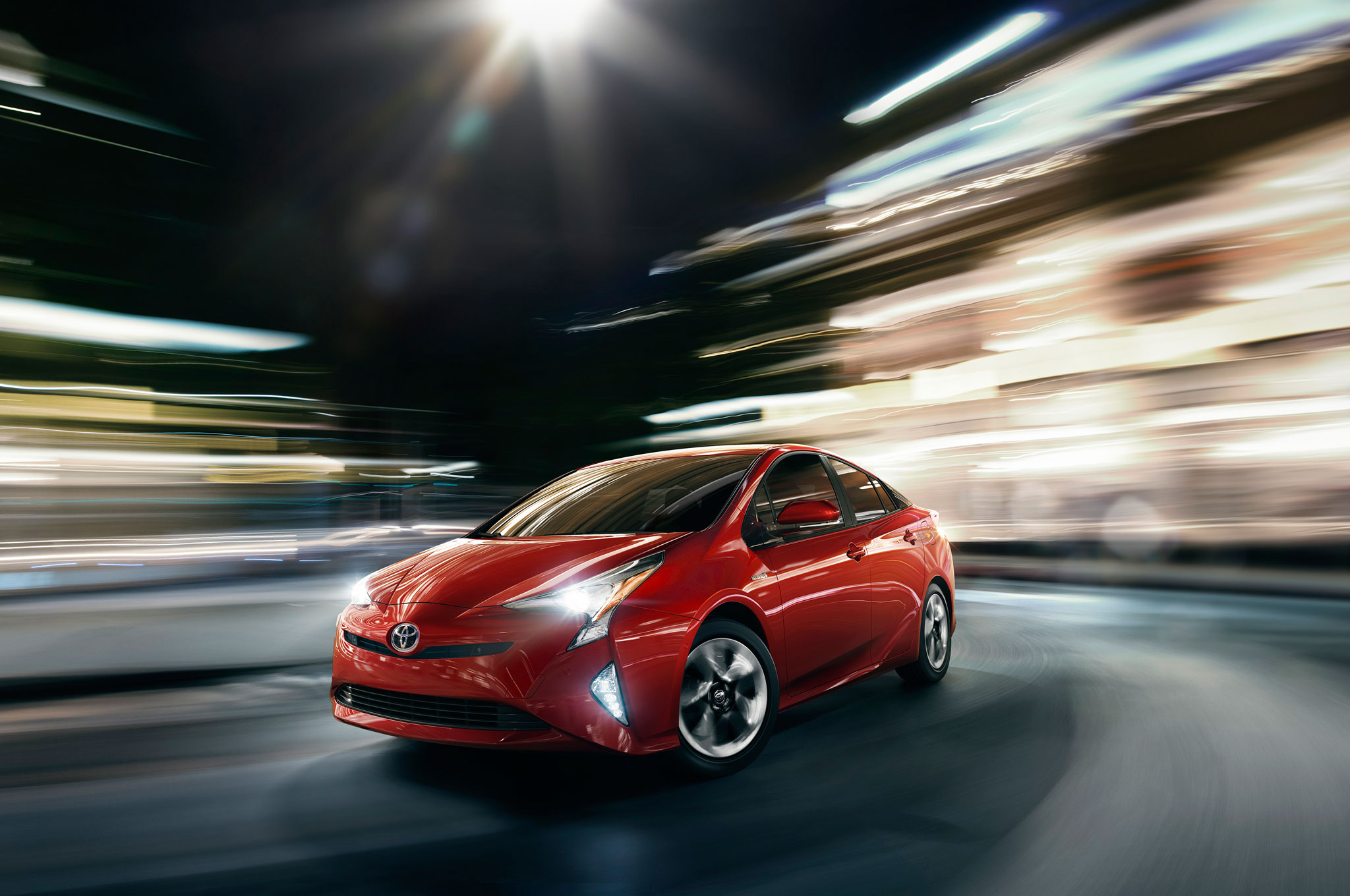 2016-toyota-prius-front-side-motion-view