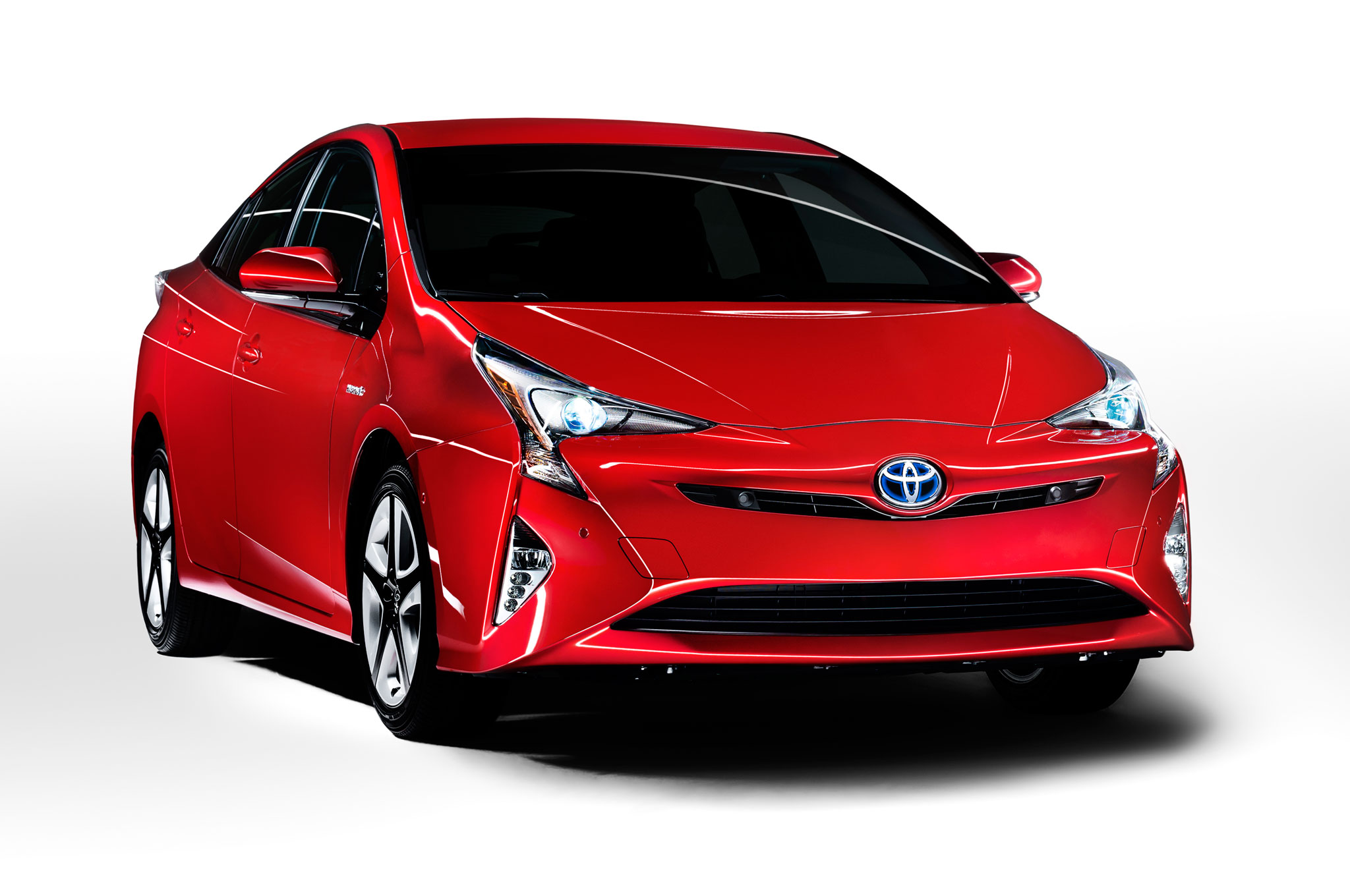 2016-toyota-prius-front-view-at-angle