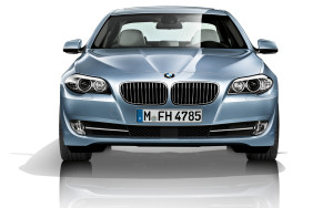 2012-bmw-5-series-sedan-front-view