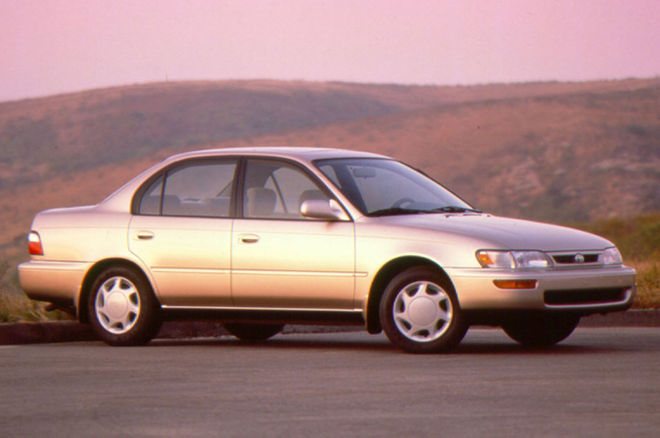 1996-Toyota-Corolla-DX-front-side-view