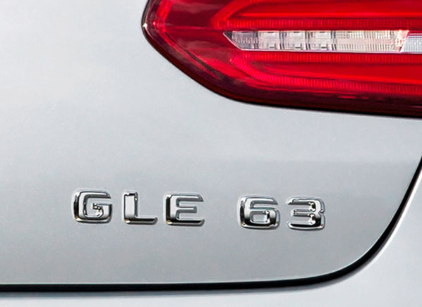 2015-Mercedes-GLE-63-badge-pr-598
