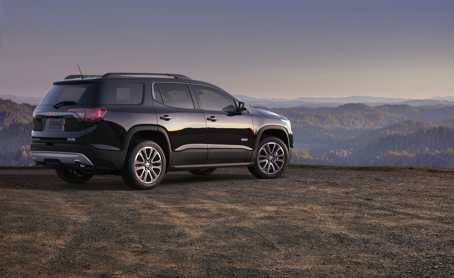 2017-gmc-acadia-all-terrain-002