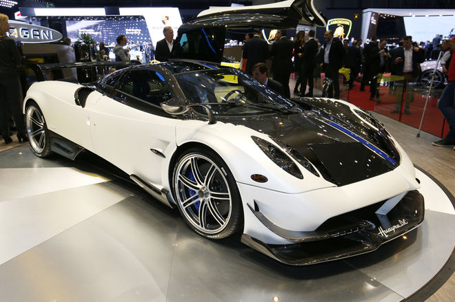 Pagani-Huayra-BC-front-three-quarter-1