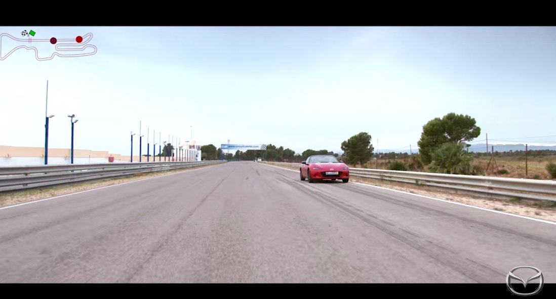 but-finally-away--and-picking-up-speed-fast-the-graphic-in-the-upper-left-hand-corner-shows-how-far-apart-the-two-cars-are-on-the-track