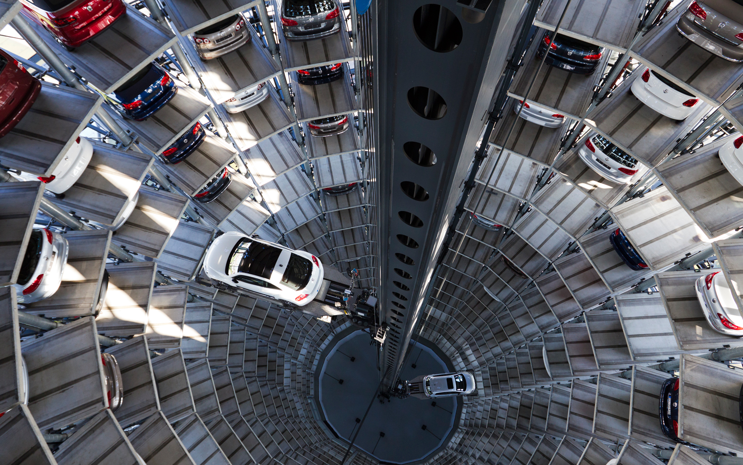 2012-volkswagen-beetle-in-autostadt-car-silo-interior-view