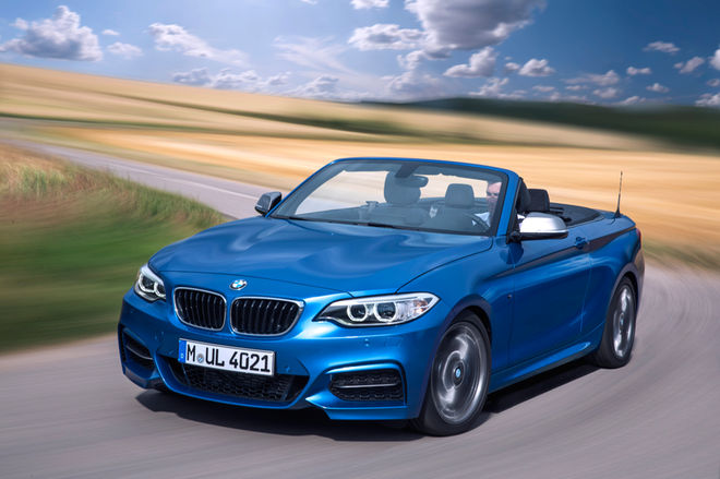 2014-BMW-2-Series-convertible-front-three-quarter-in-motion
