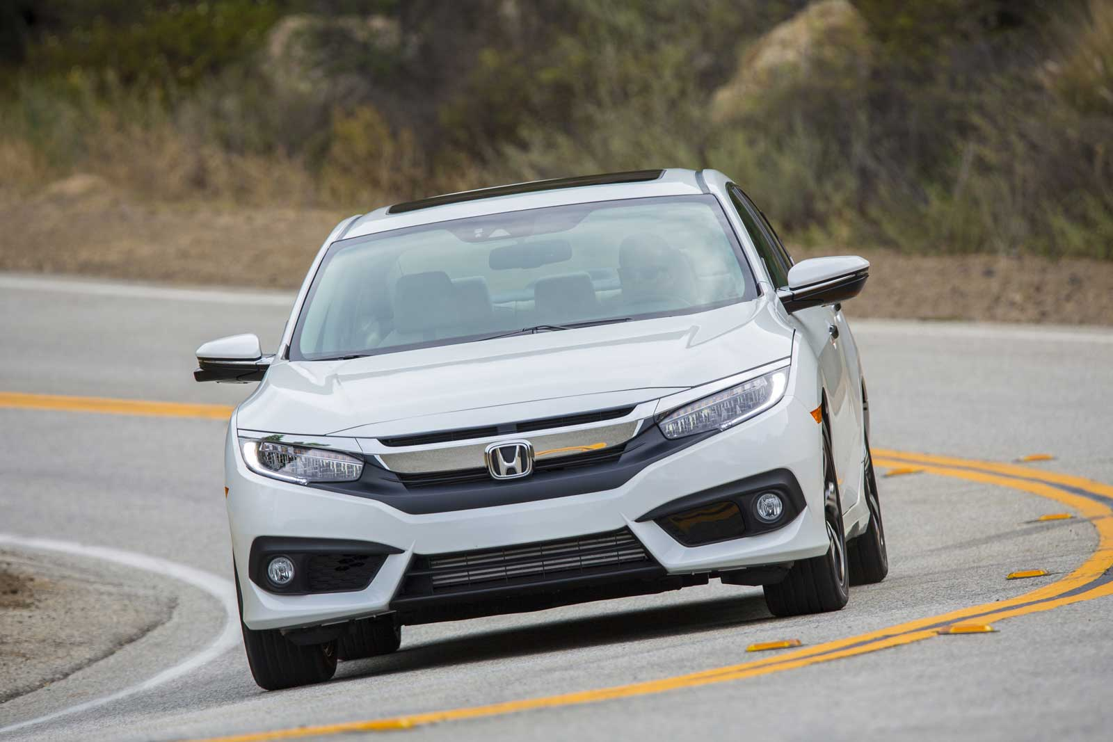 2016-Honda-Civic-Driving-10