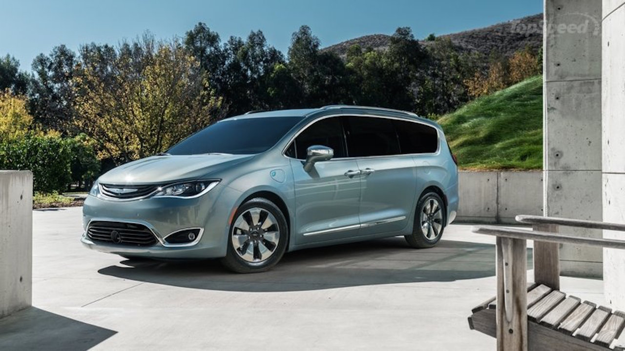 2017-chrysler-pacifica-hy_800x0w