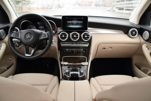 MBenz GLC center topdown