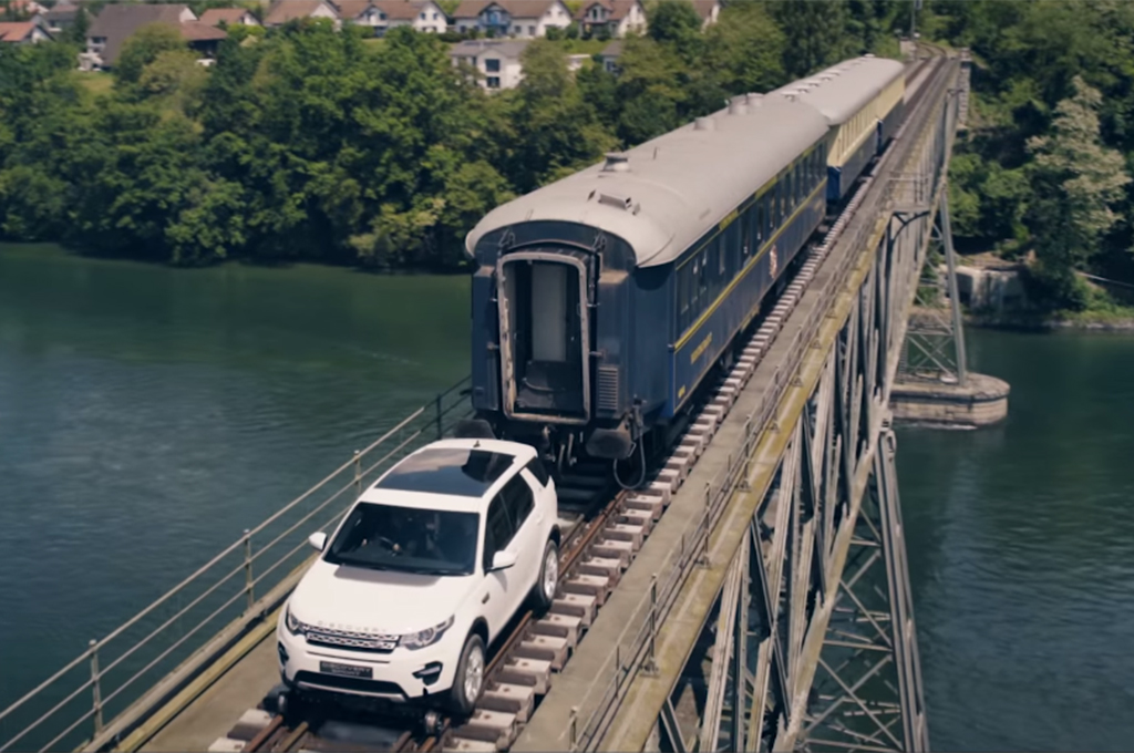 Land-Rover-Discovery-Sport-tows-train-cars-video-screen-shot