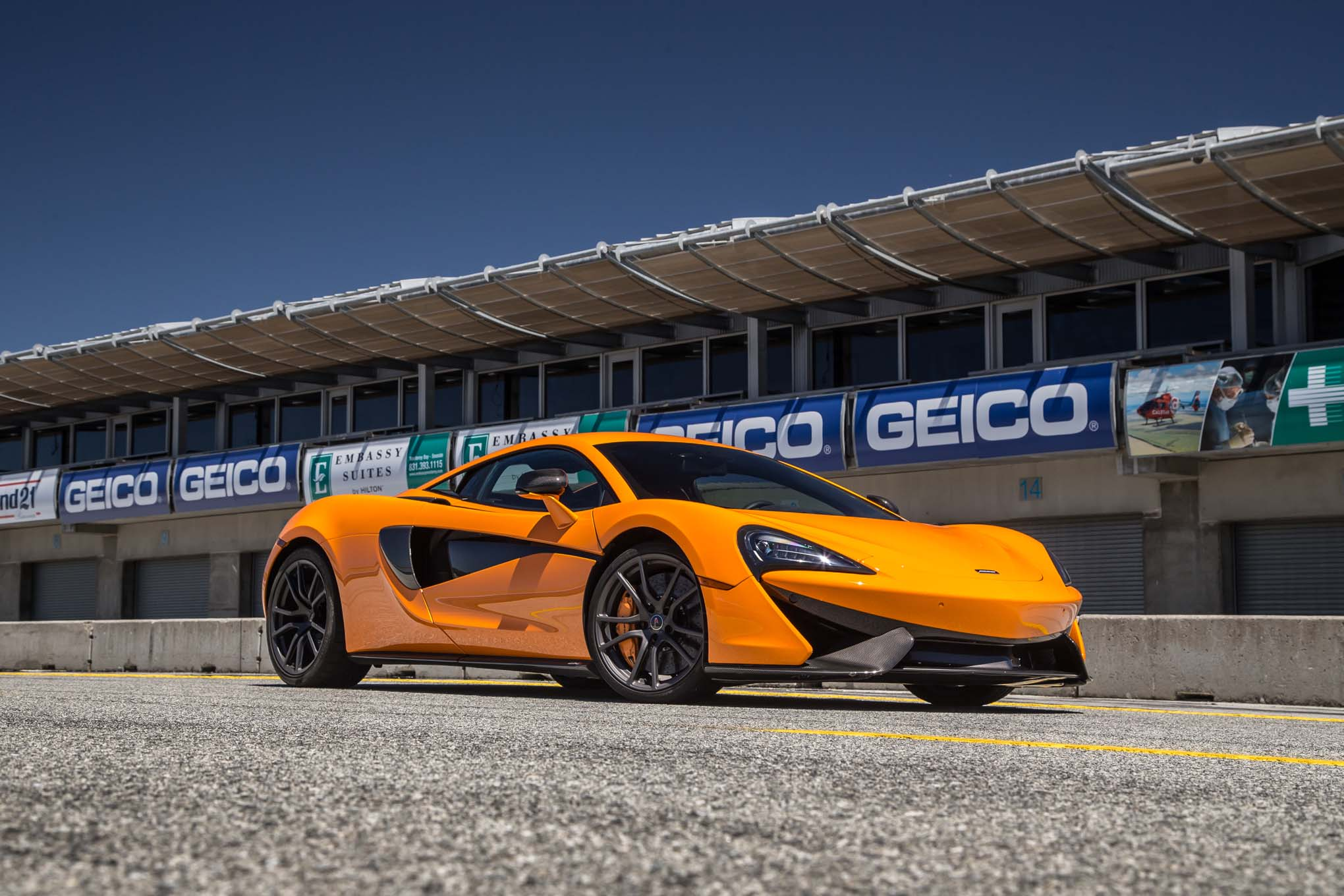 2016-mclaren-570s-front-three-quarter