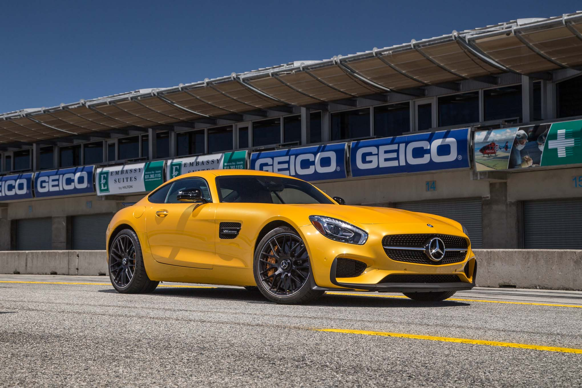 2016-mercedes-amg-gt-s-front-three-quarter