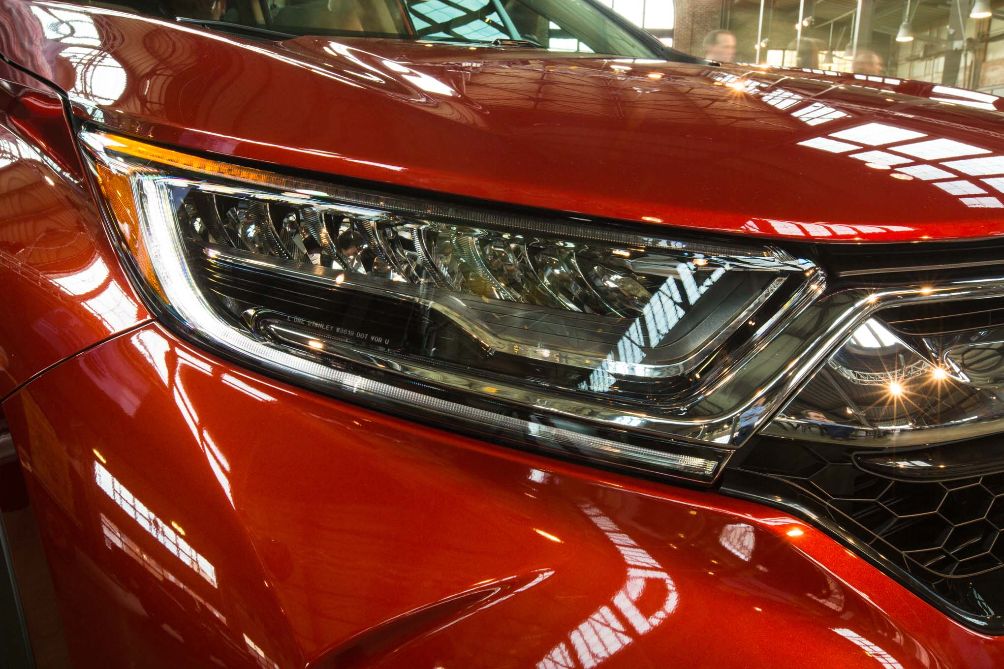 2017-honda-cr-v-headlamp