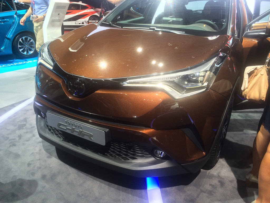 toyota-ch-r-front-end