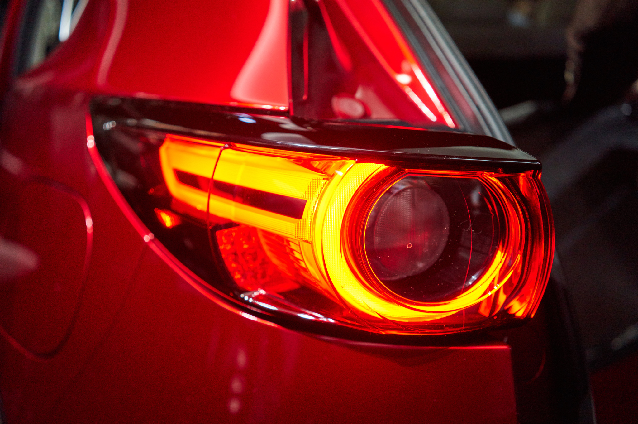 2017-mazda-cx-5-taillight-closeup-1