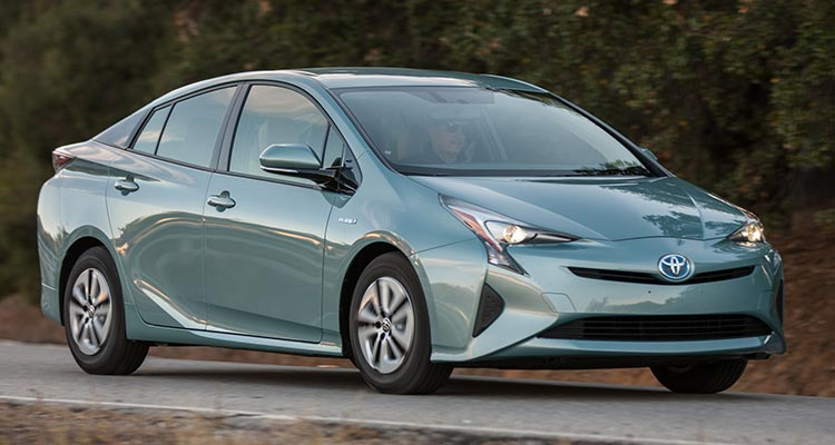cr-cars-inline-2016-toyota-prius-driving-06-16
