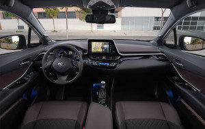 2018-toyota-c-hr-hybrid-european-spec-interior