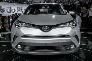 2018-toyota-c-hr-front-end-1