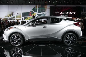 2018-toyota-c-hr-side