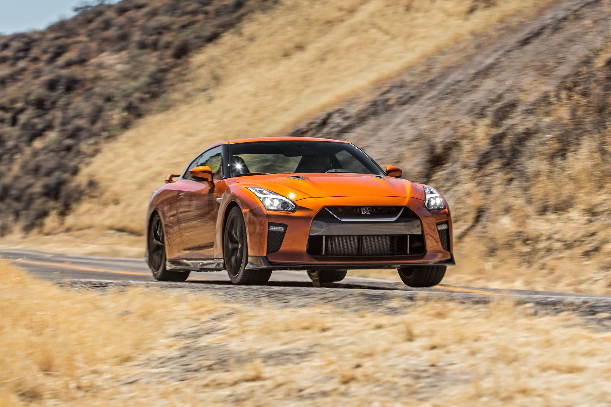 2017-Nissan-GT-R-front-three-quarter-in-motion-03