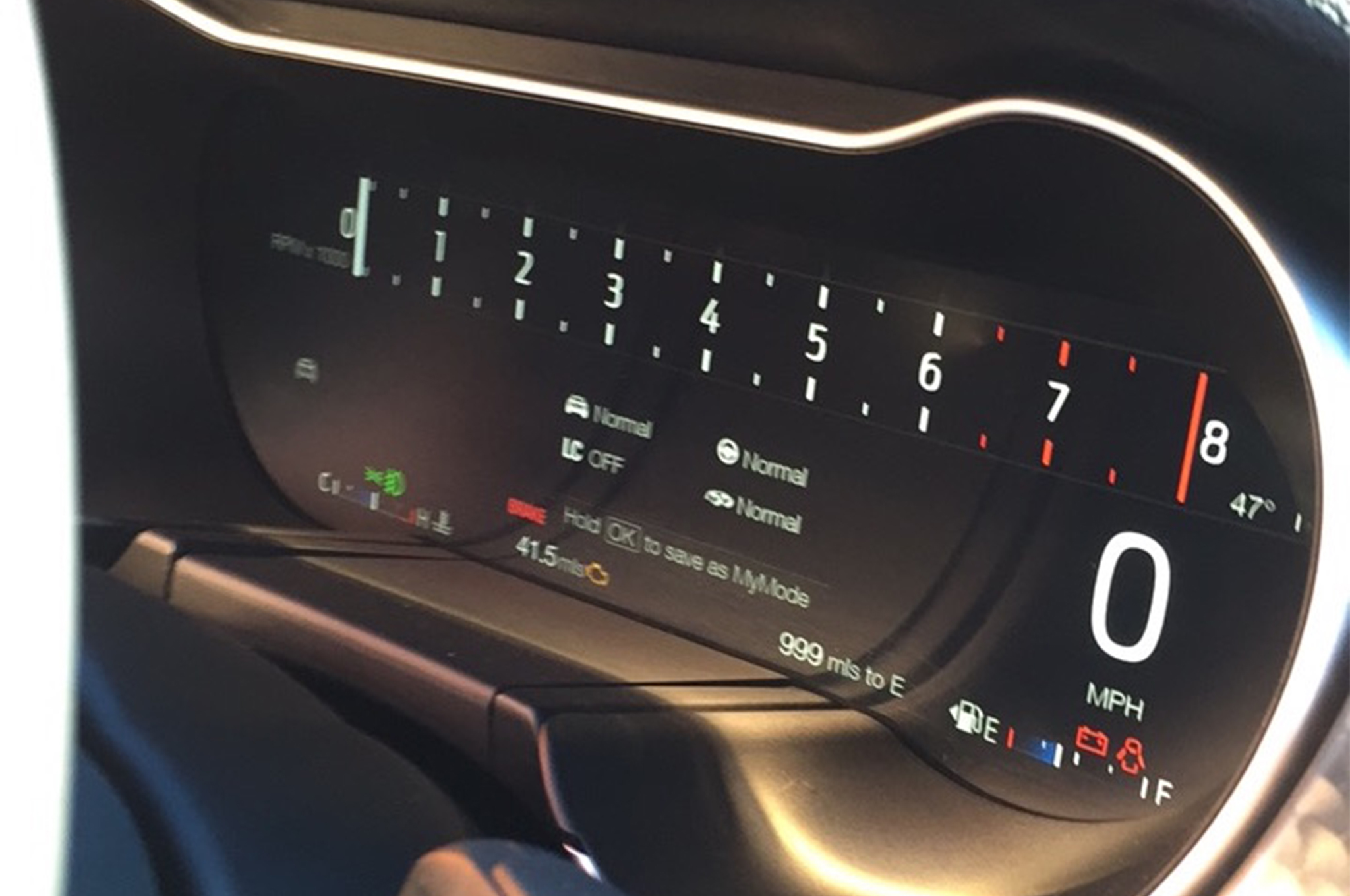 2018-Ford-Mustang-GT-V8-Performance-Pack-digital-instrument-cluster