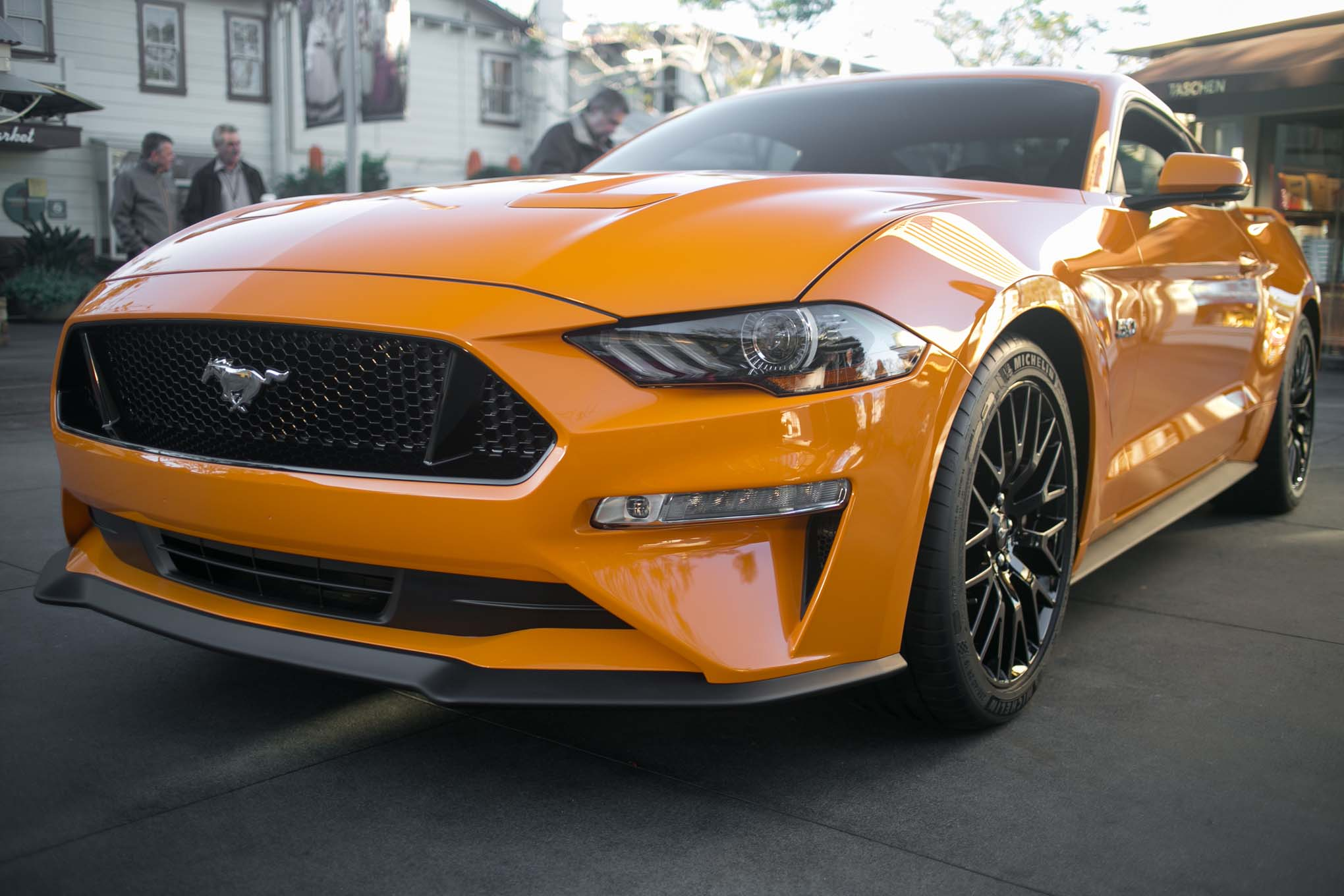 2018-Ford-Mustang-GT-V8-Performance-Pack-front-end-02