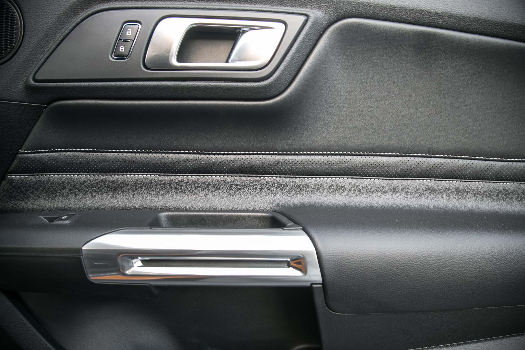 2018-Ford-Mustang-GT-V8-Performance-Pack-interior-door-panel