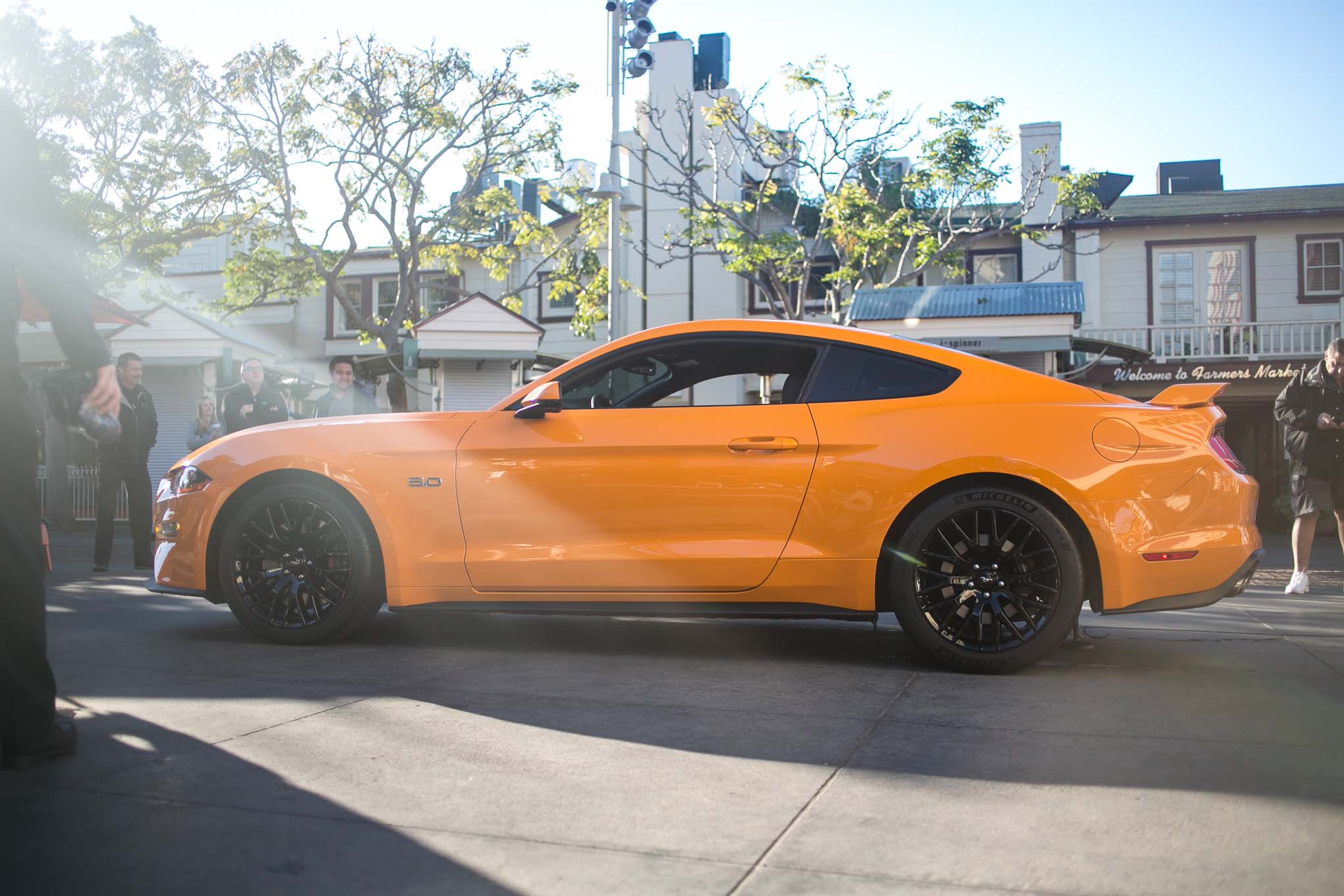 2018-Ford-Mustang-GT-V8-Performance-Pack-side-02