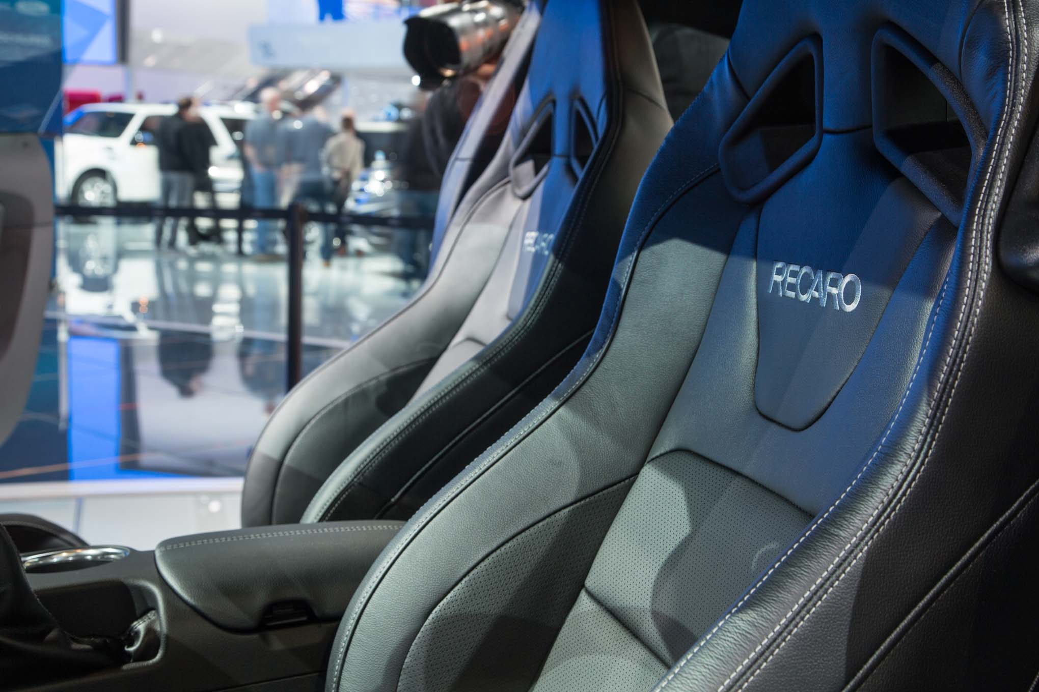 2018-Ford-Mustang-GT-interior-seats