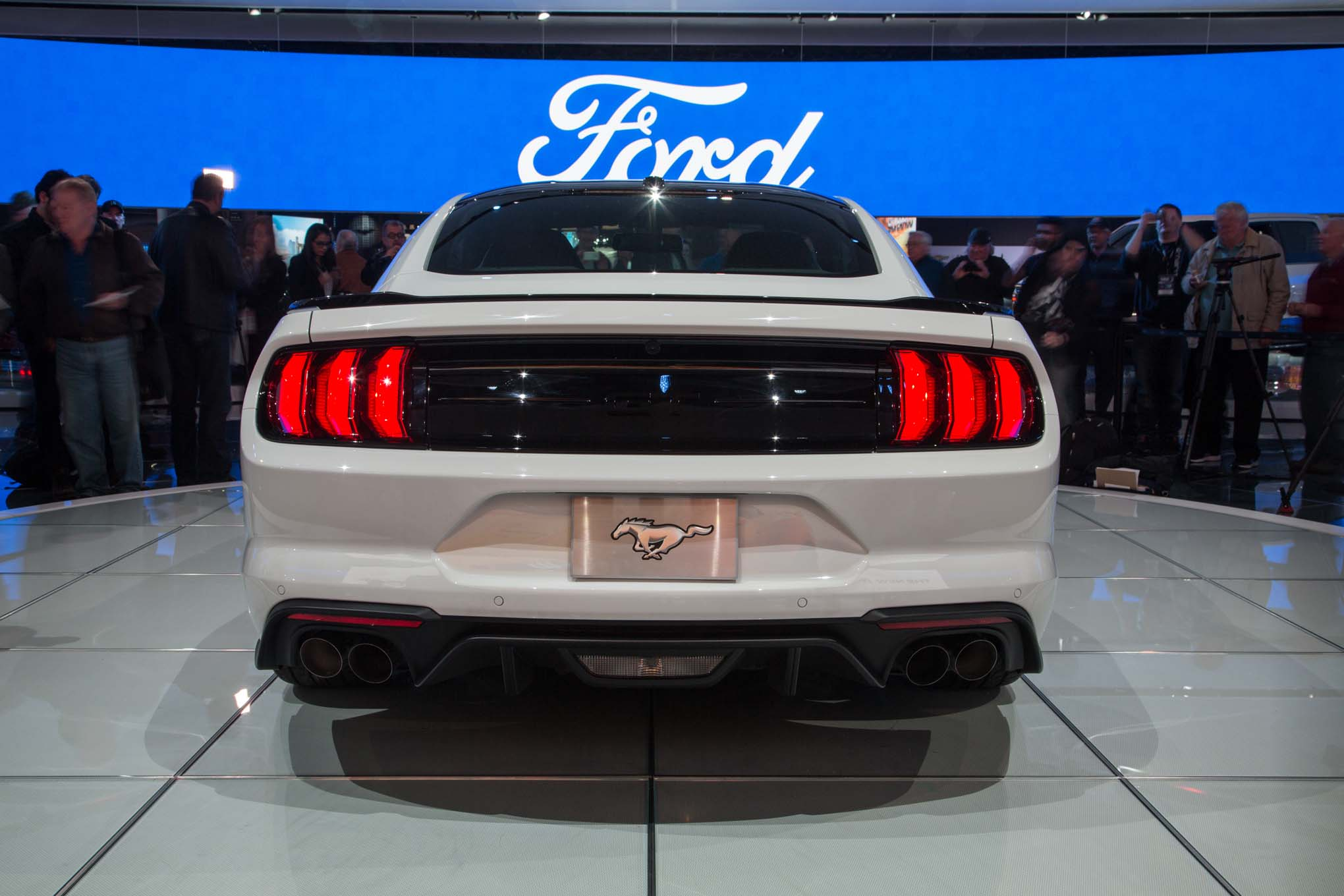2018-Ford-Mustang-GT-rear-end