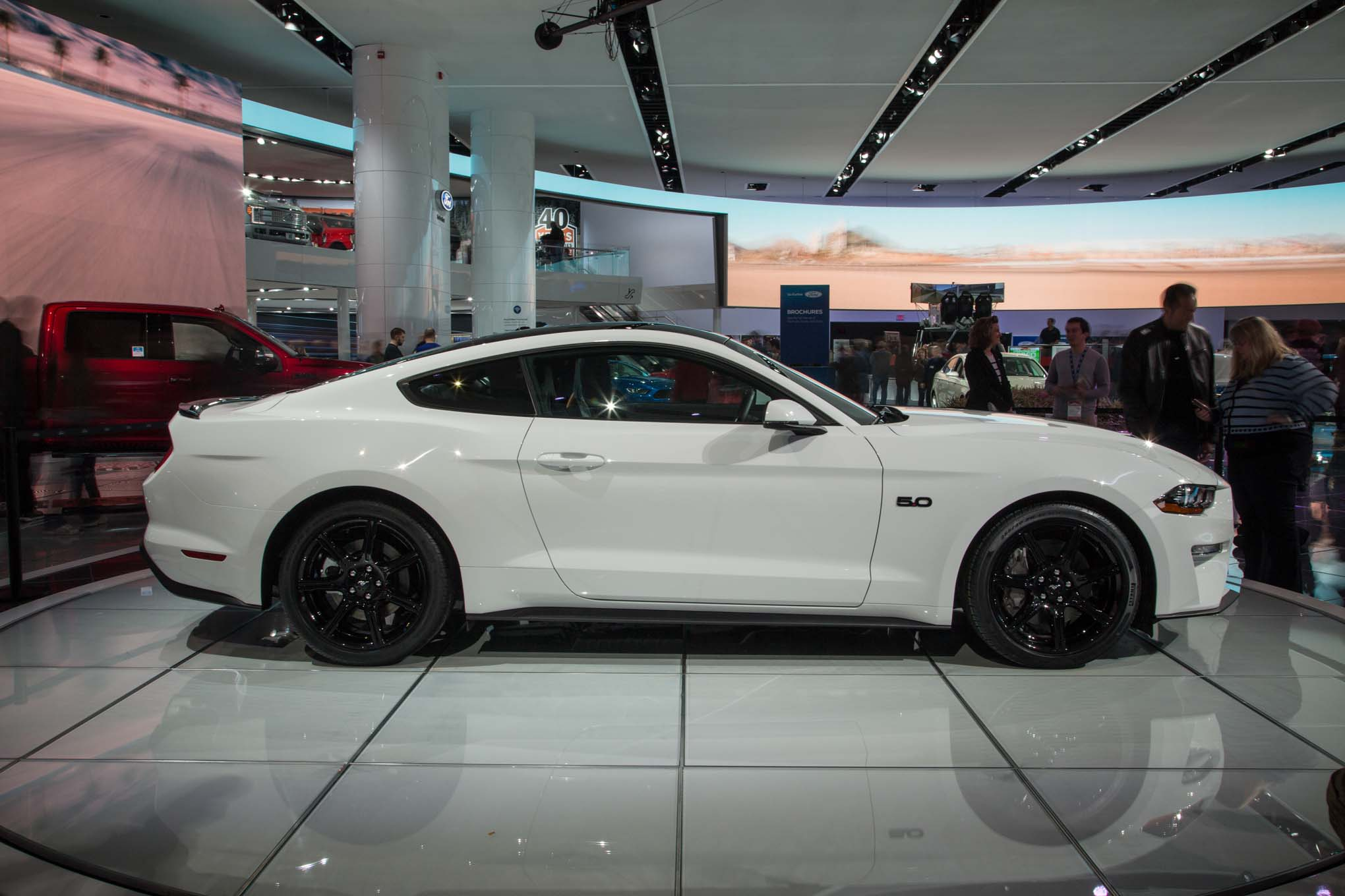 2018-Ford-Mustang-GT-side