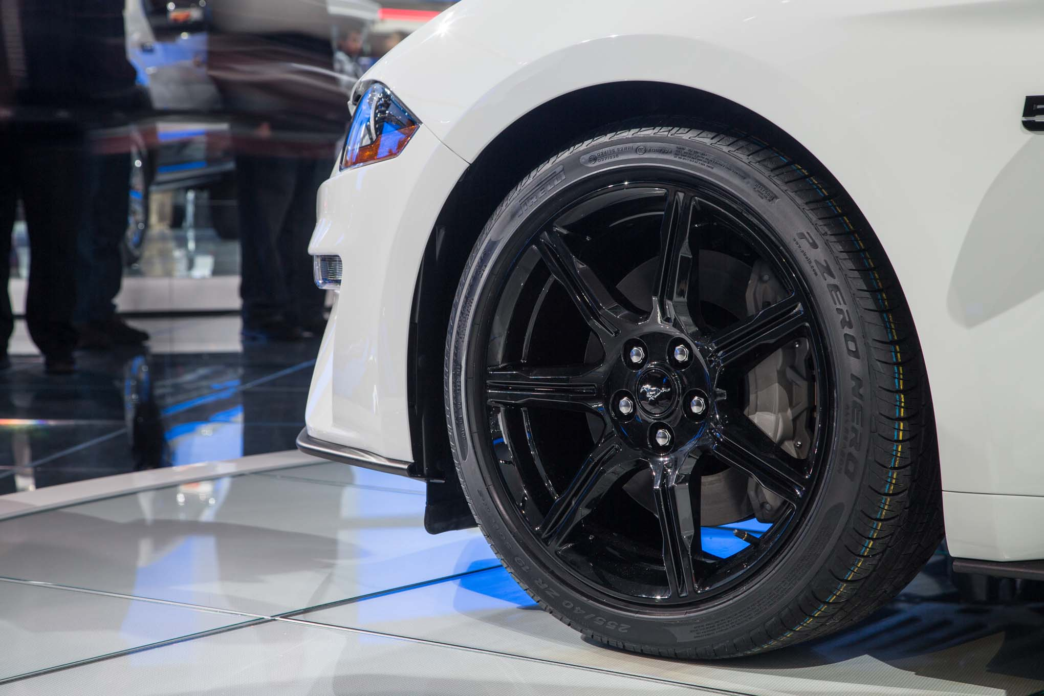 2018-Ford-Mustang-GT-wheel