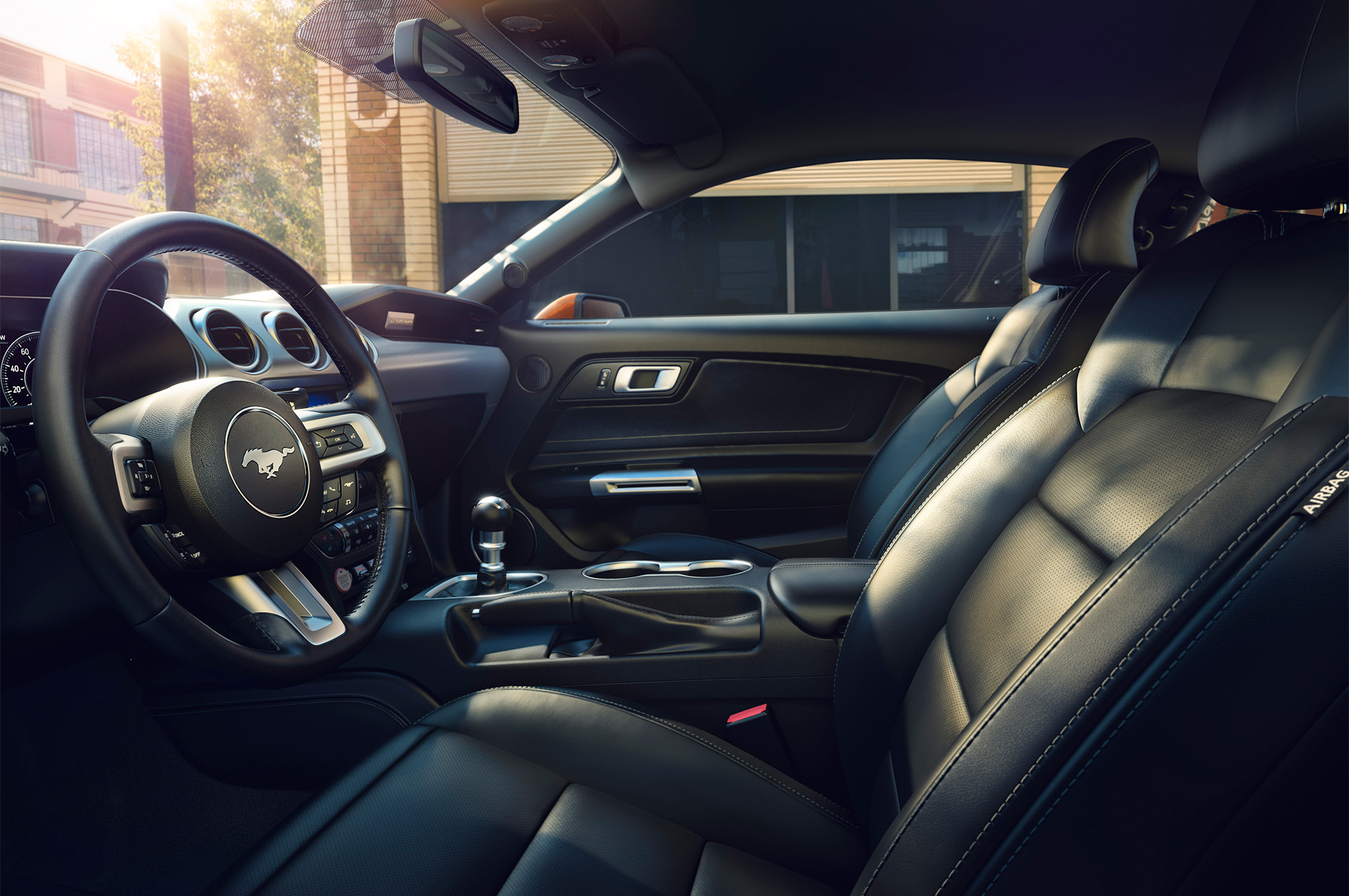 2018-Ford-Mustang-front-interior