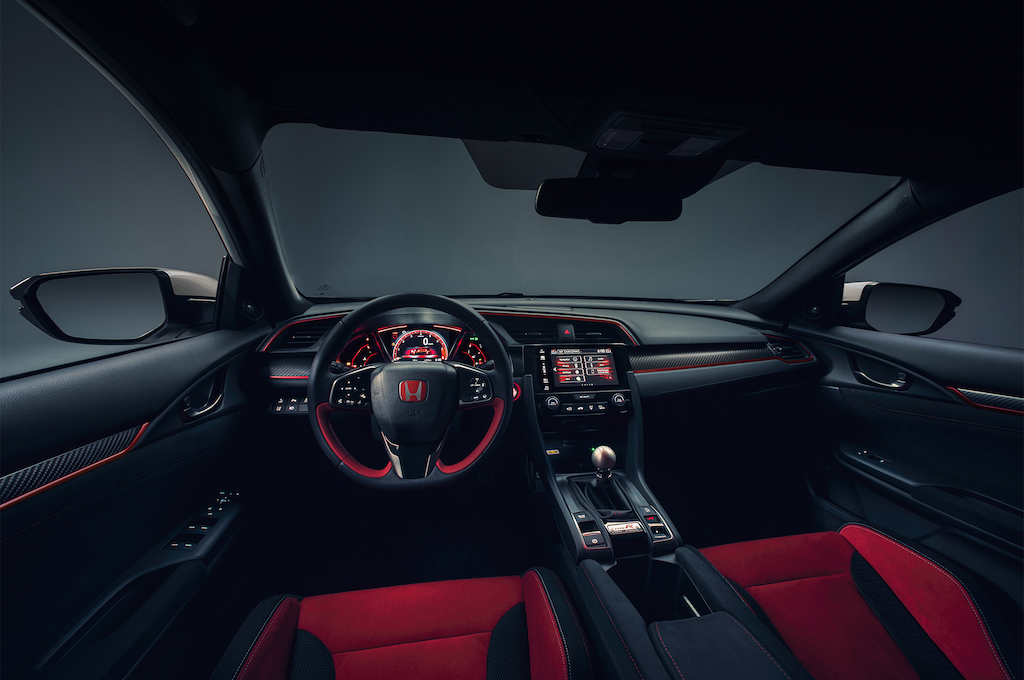 2017-Honda-Civic-Type-R-cabin