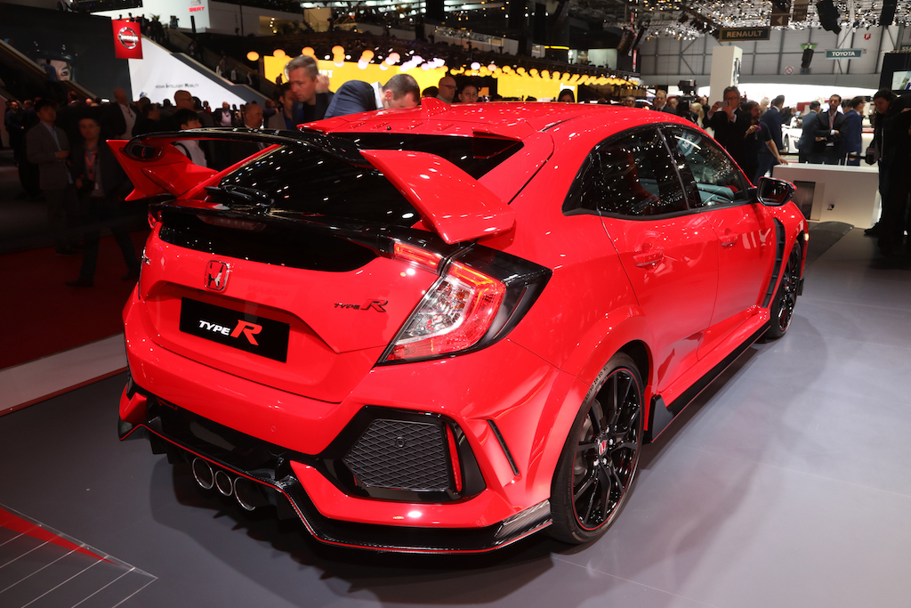 2017-Honda-Civic-Type-R-rear-three-quarter