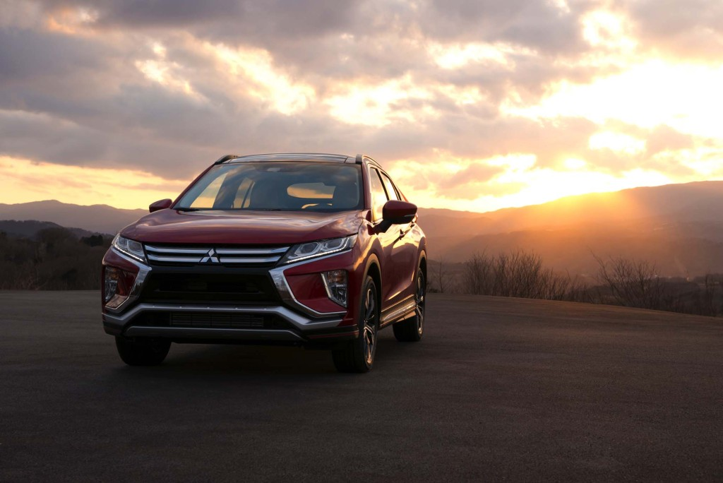 2018-Mitsubishi-Eclipse-Cross-front-end-03