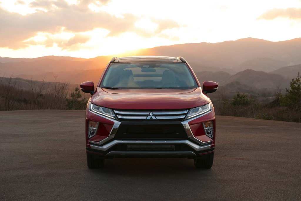 2018-Mitsubishi-Eclipse-Cross-front-end-04