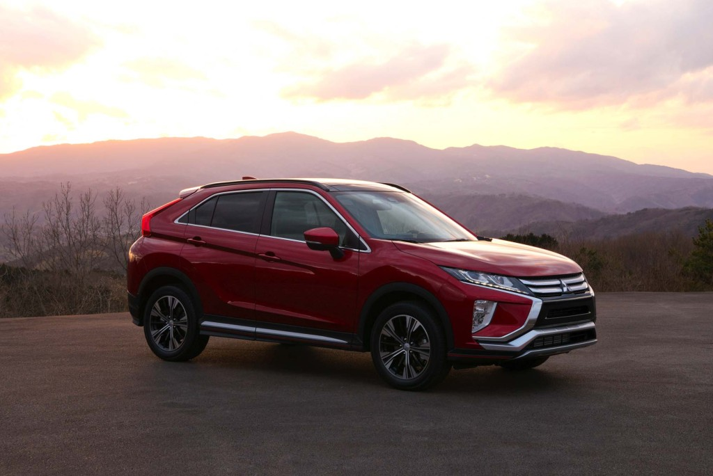 2018-Mitsubishi-Eclipse-Cross-front-side-02