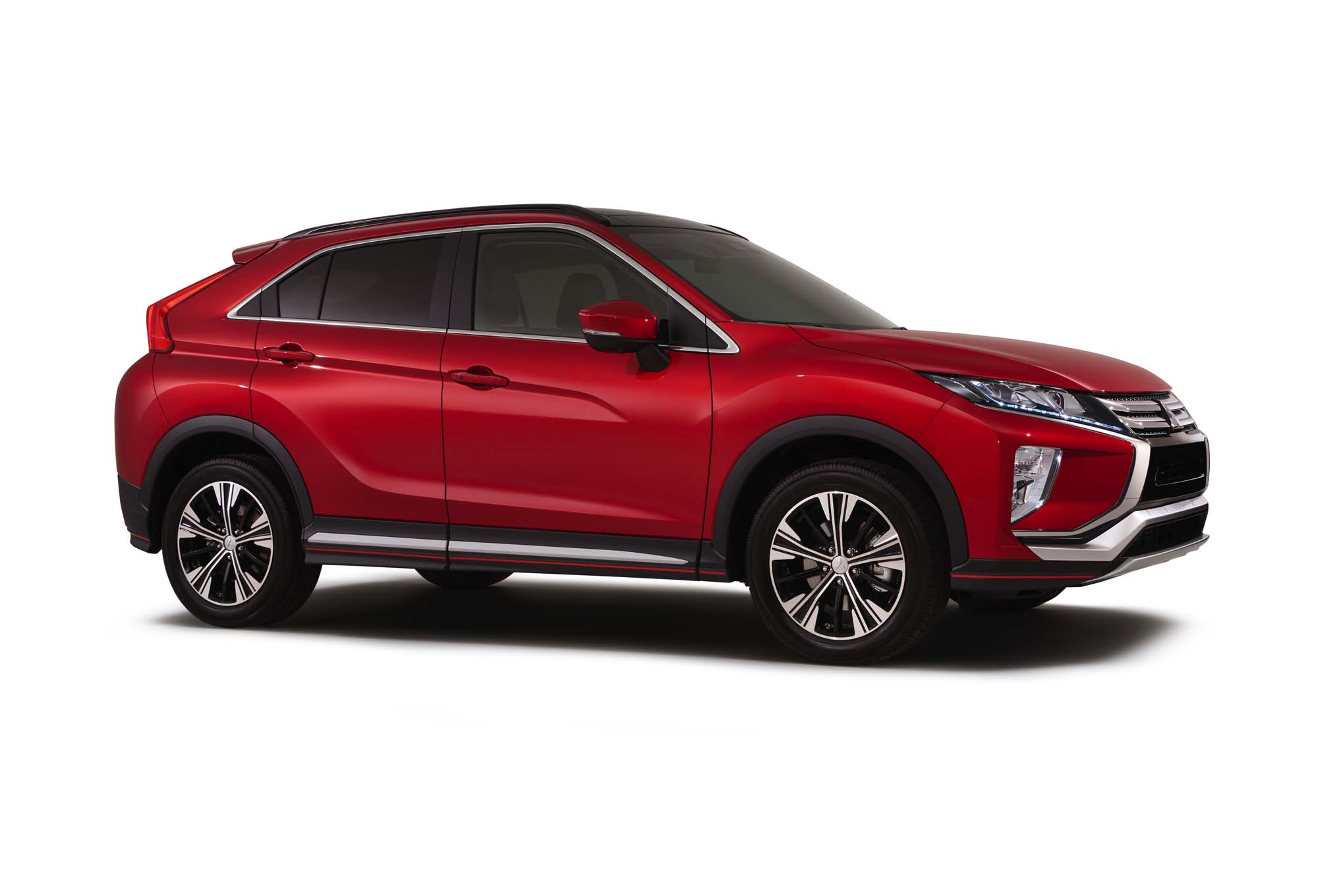 2018-Mitsubishi-Eclipse-Cross-front-side