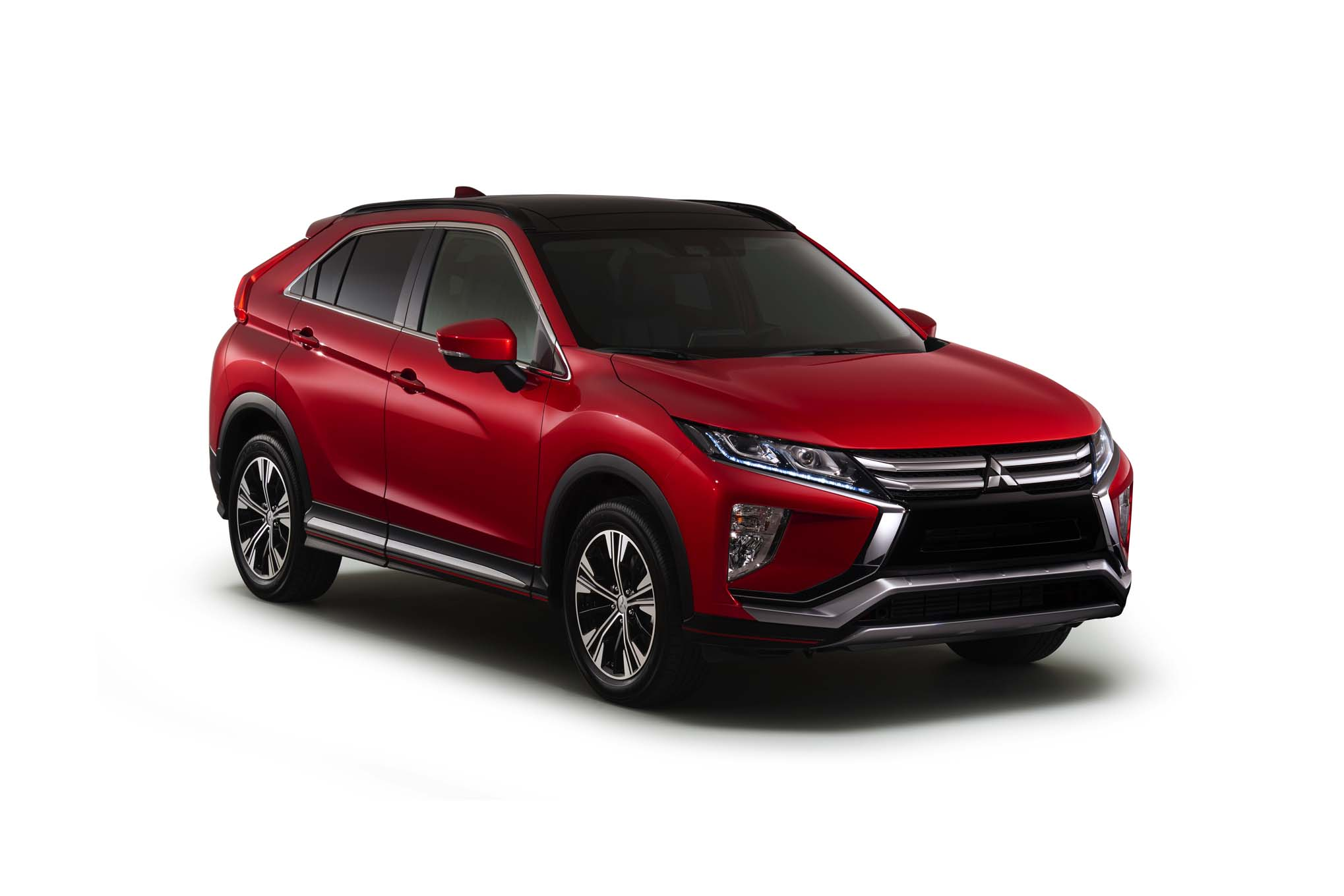 2018-Mitsubishi-Eclipse-Cross-front-three-quarter-02