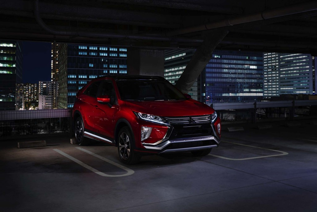 2018-Mitsubishi-Eclipse-Cross-front-three-quarter-view