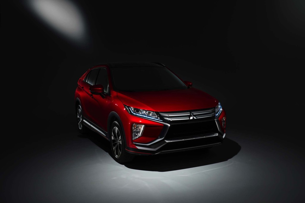 2018-Mitsubishi-Eclipse-Cross-front-three-quarters