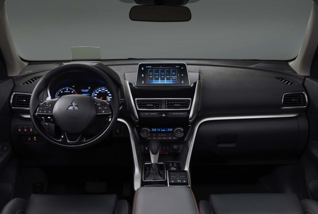 2018-Mitsubishi-Eclipse-Cross-interior-view