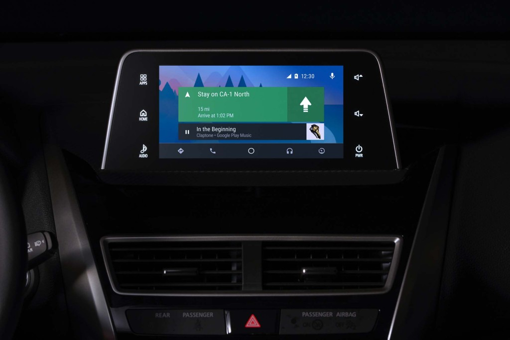 2018-Mitsubishi-Eclipse-Cross-navigations-screen