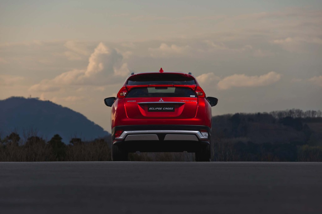 2018-Mitsubishi-Eclipse-Cross-rear-end-02