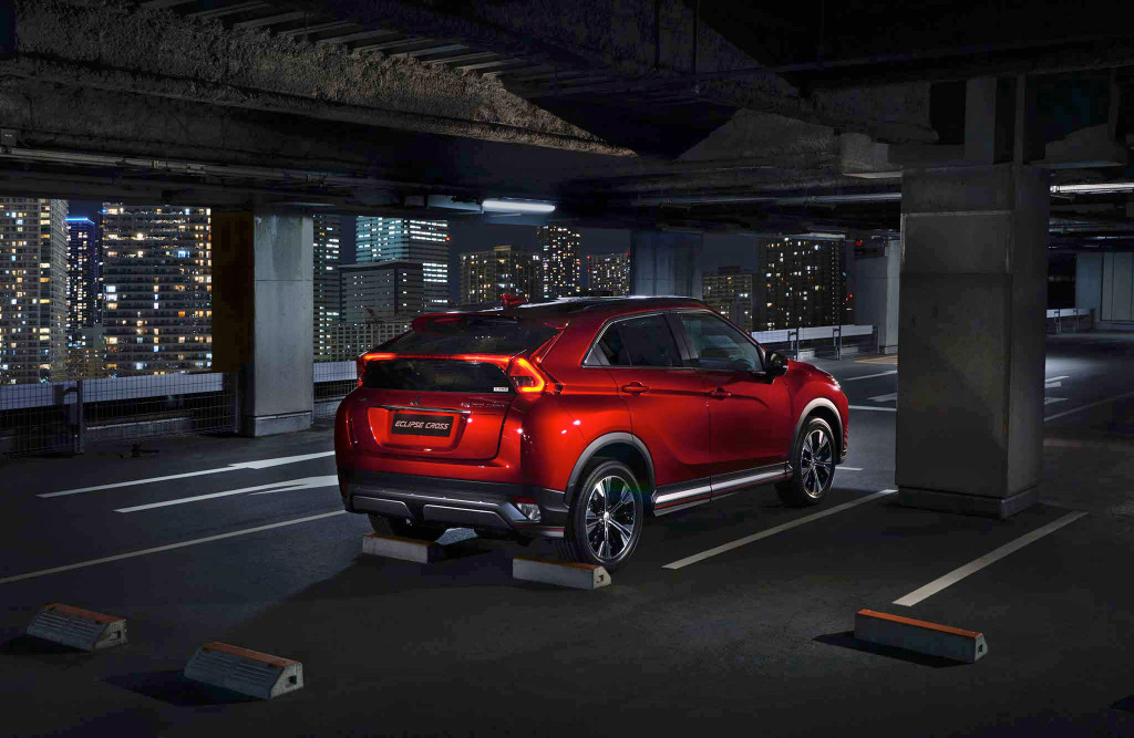 2018-Mitsubishi-Eclipse-Cross-rear-three-quarter-parked